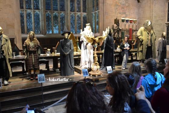 Wardrobe yang dipakai guru Hogwarts