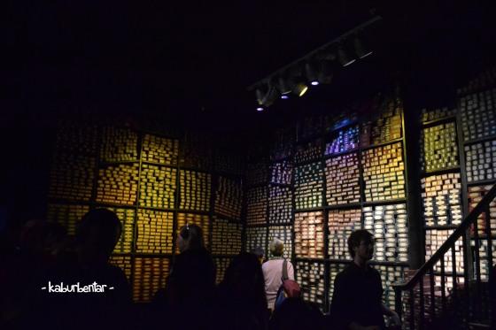 Ruangan kotak tongkat sihir persembahan untuk kru film