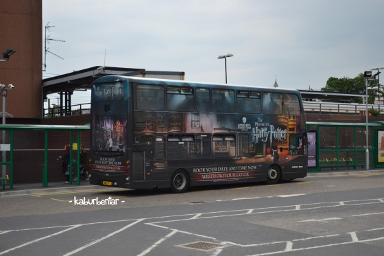 Shuttle bus penghubung Watford Junction dan museum