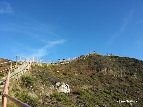 tangga ke puncak