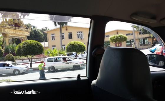 jendela taksi