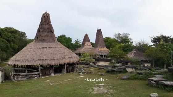 Pelataran kampung adat Bondo Kapumbu