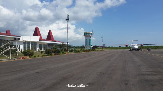 Mendarat di Bandara Tambolaka